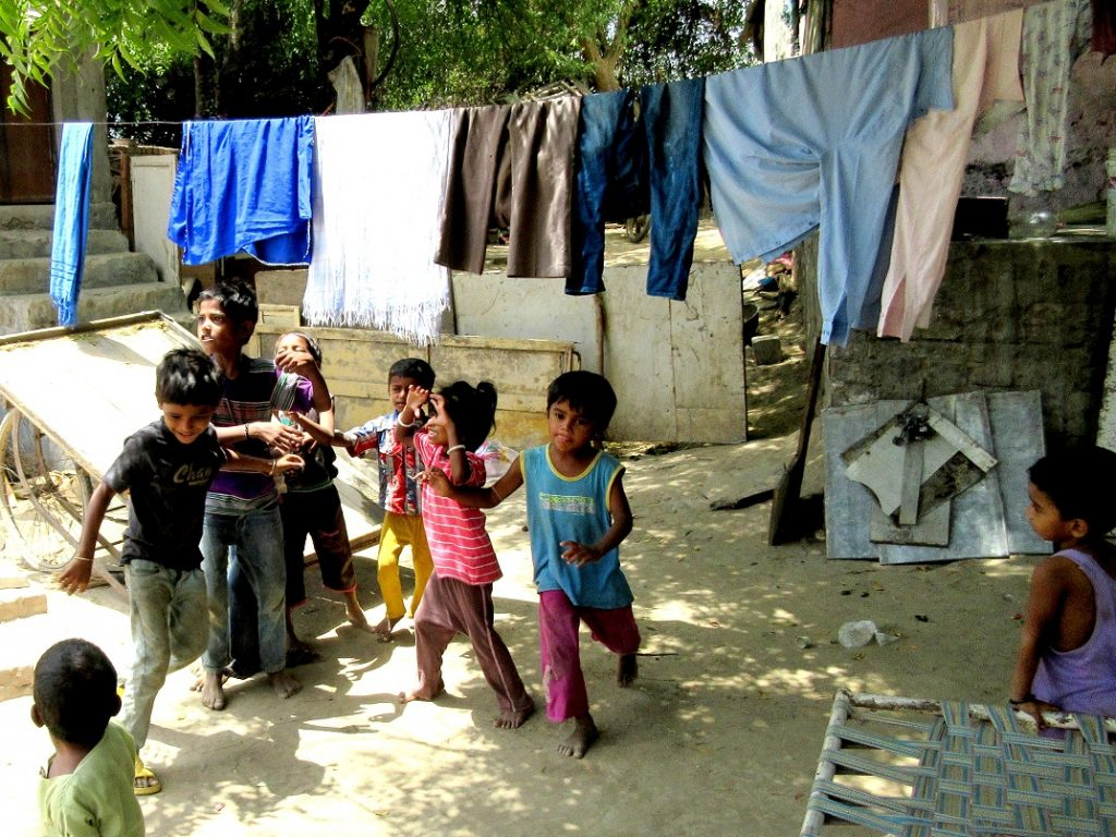 A-preschool-in-an-indian-slum1